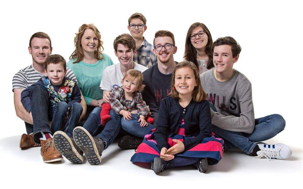 Portrait of a large family group in Thame, Oxfordshire